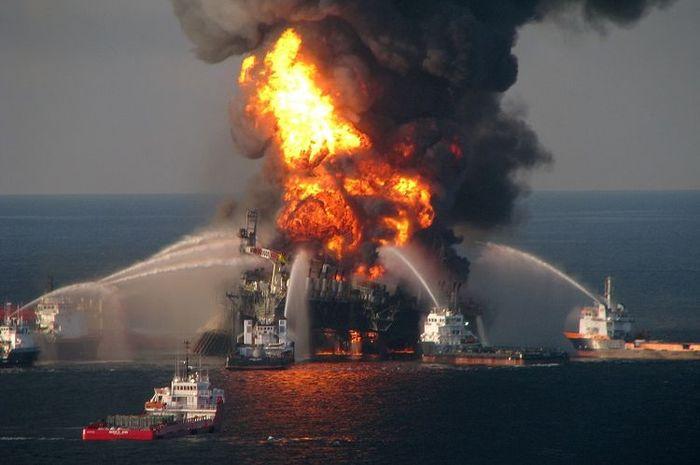 Source: https://wiken.grid.id/read/391685904/mengingat-kembali-deepwater-horizon-bencana-lingkungan-terbesar-abad-ini?page=all