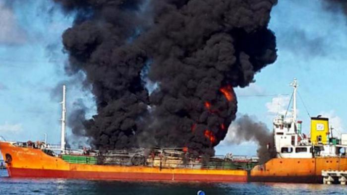 https://aceh.tribunnews.com/2015/04/14/tanker-pertamina-terbakar-tiga-pekerja-tewas